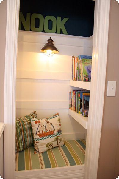 Ruang baca sekaligus tempat persembunyian yang menyenangkan (Sumber: thespruce.com)