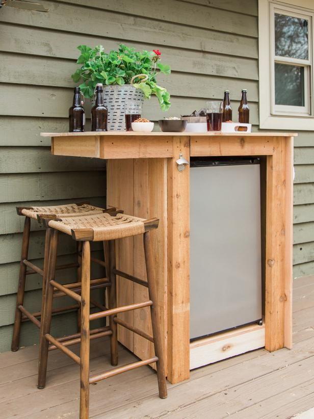 Mini bar outdoor untuk suasana minum yang lebih santai dan fresh (Sumber: bailedecor.com)