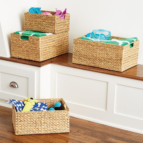 Keranjang penyimpanan untuk semua barang-barang keperluan bayi Anda (Sumber: containerstore.com)