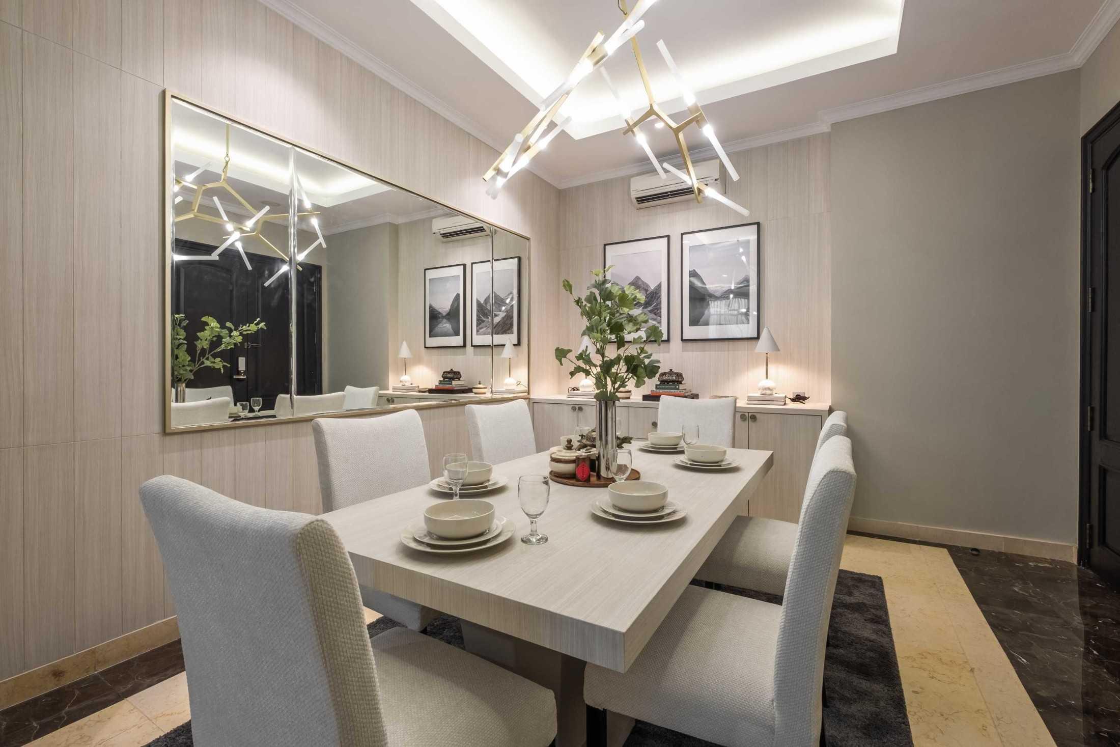 Ruang makan BM Residence karya Makai Design Company (Sumber: arsitag.com)