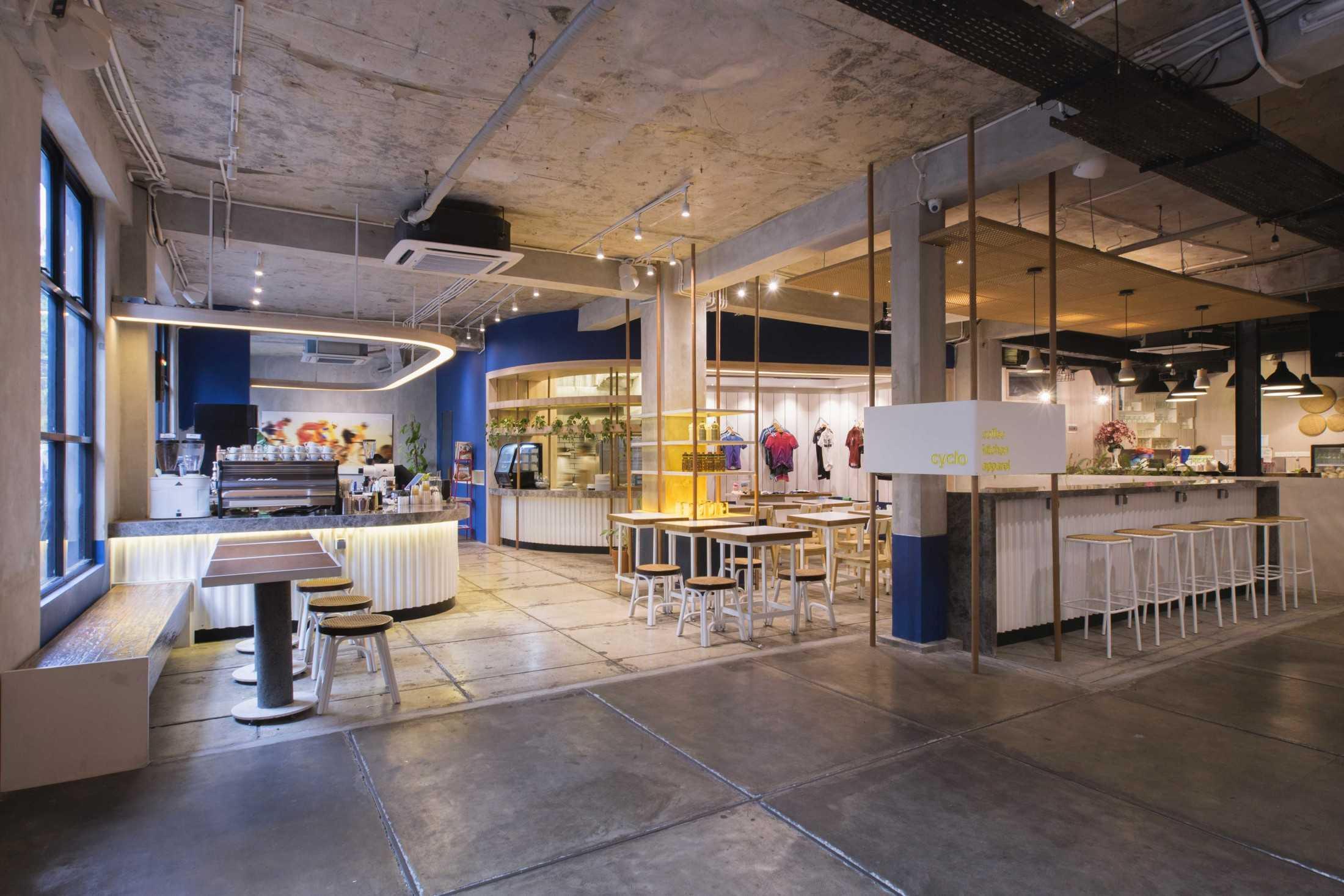 Kafe Sekaligus Toko Baju, Kombinasi Unik yang Tampil Kece! | Foto artikel Arsitag