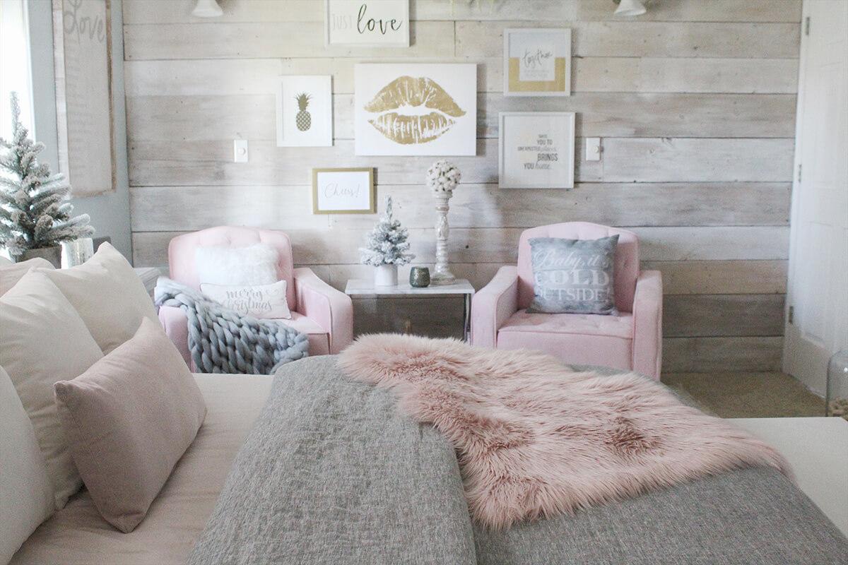 Letakkan benda spesial yang akan mengingatkan Anda pada rumah (Sumber: homebnc.com)