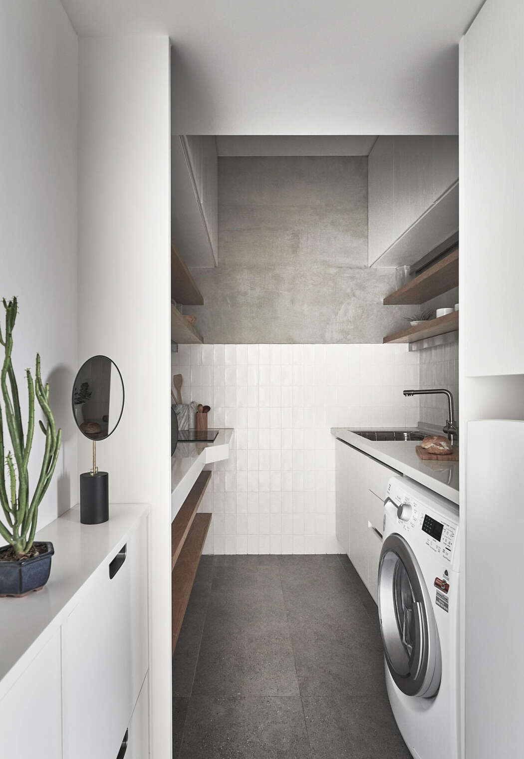 Dapur mungil di apartemen kecil (Sumber: freshome.com)