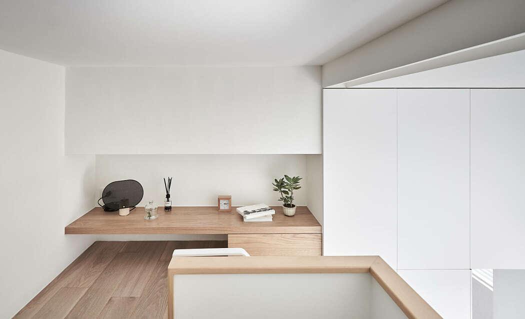 Ruang kerja mungil di lantai atas (Sumber: freshome.com)