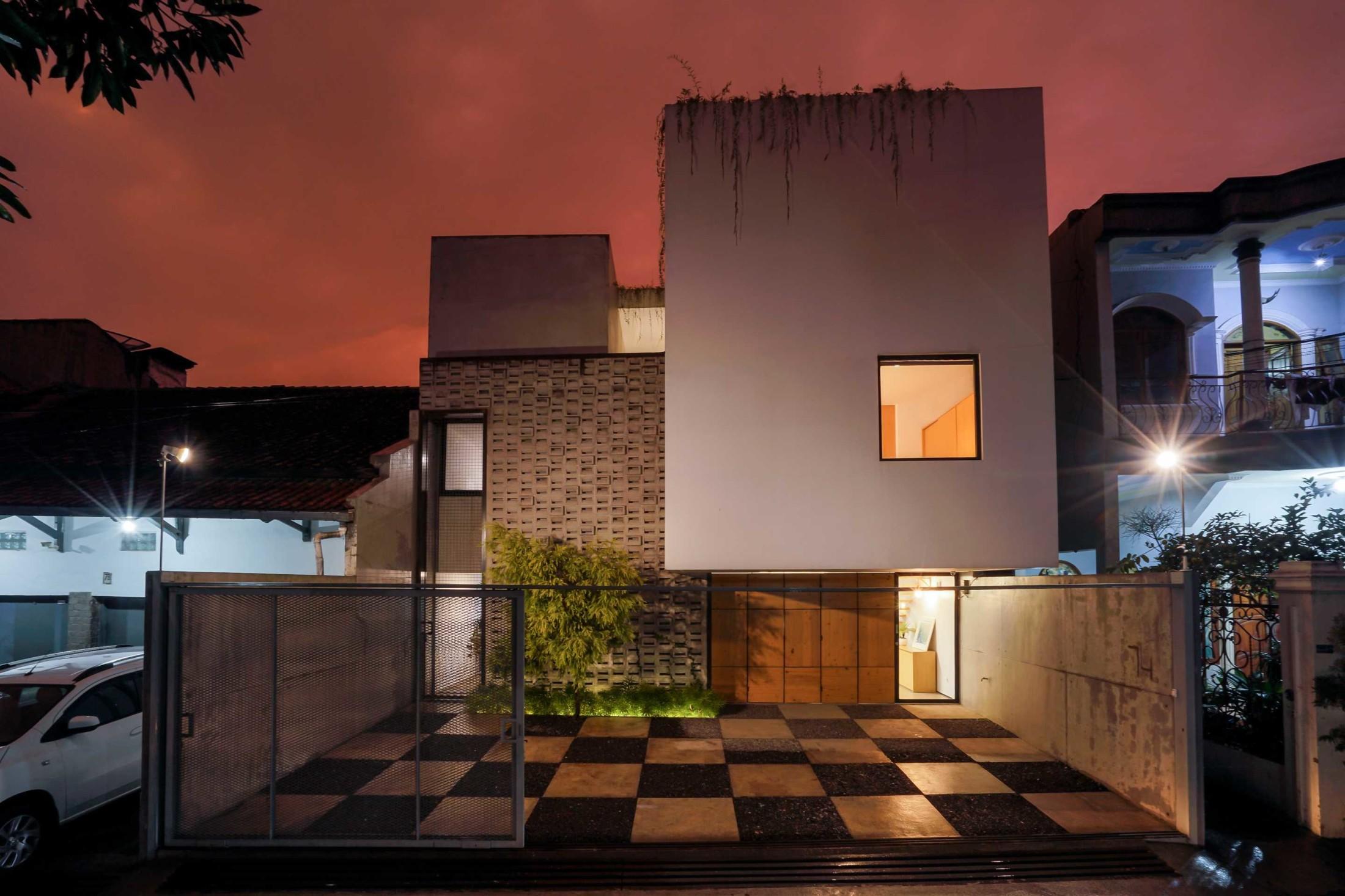 Tata pencahayaan membuat rumah minimalis tampak keren (Sumber: arsitag.com)