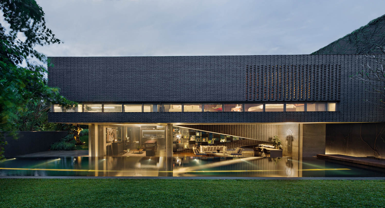 Arsitektur Rumah Minimalis Modern yang Mewah dan Elegan ala Andra Matin | Foto artikel Arsitag