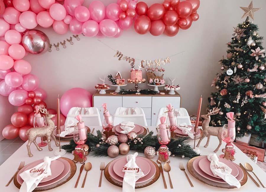 Dekorasi Natal serba pink yang manis sekaligus glamor (Sumber: http: blovelyevents.com)