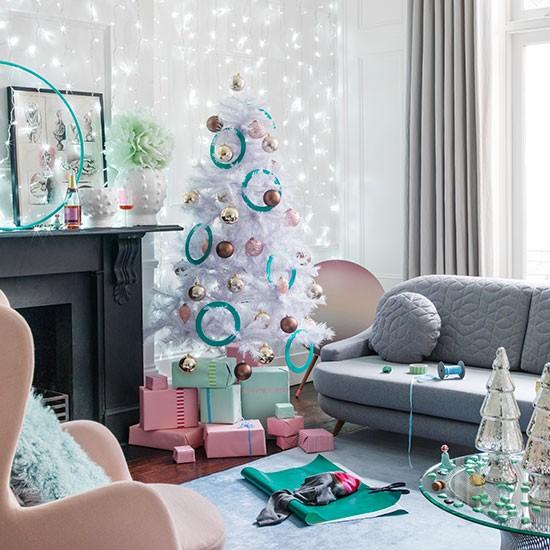 Natal dengan sentuhan pastel yang lembut (Sumber: livinator.com)