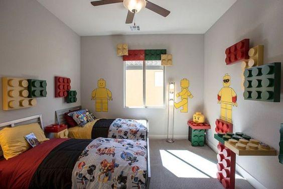 Kamar anak dengan desain lego // moolton.com