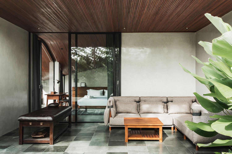 Rumah sebagai tempat retreat keluarga // archdaily.com