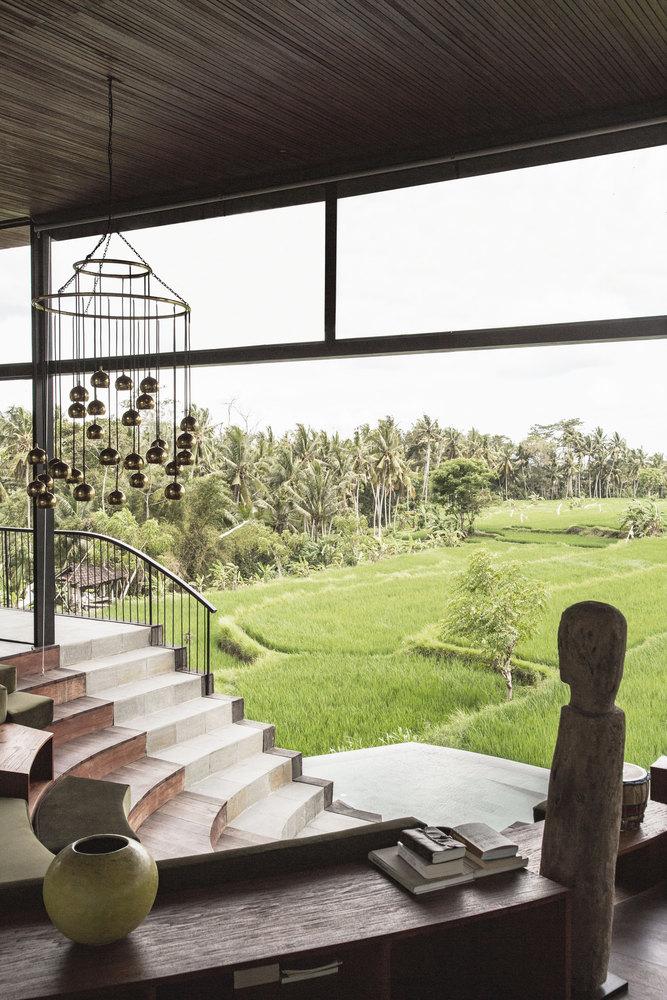 Desain rumah mewah yang selaras dan merangkul alam // archdaily.com