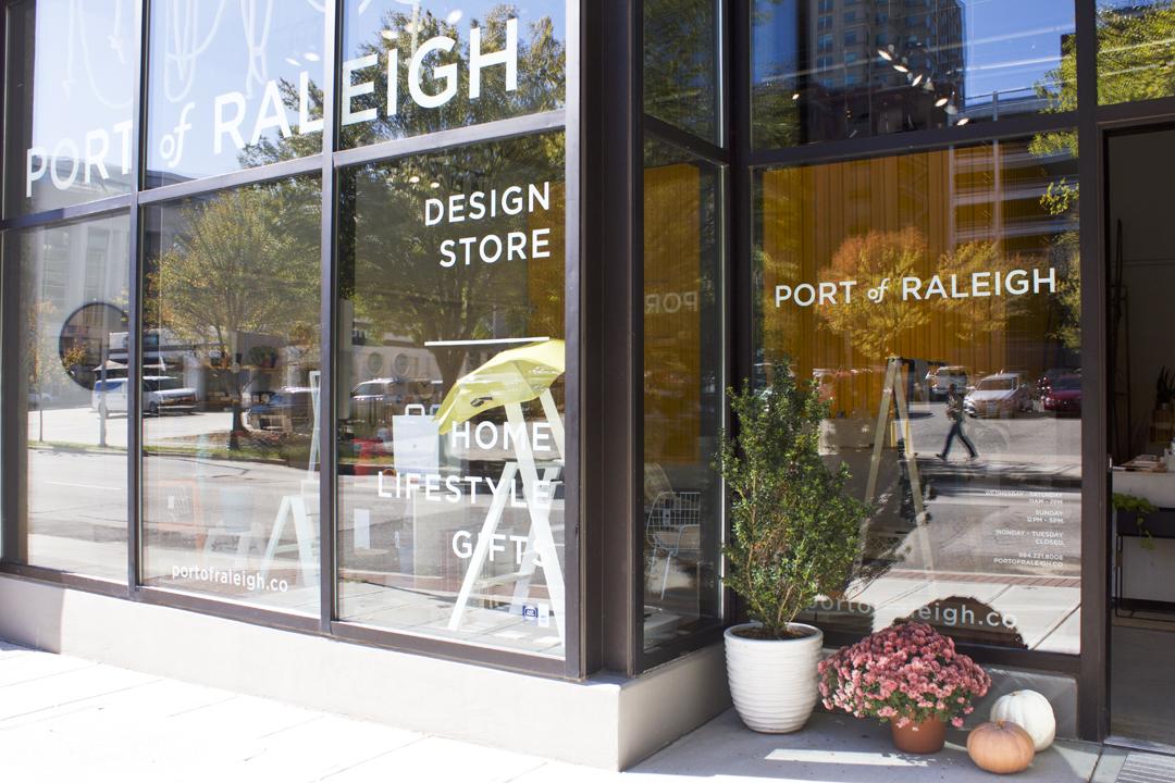 Eksterior Toko Port of Raleigh // design-milk.com
