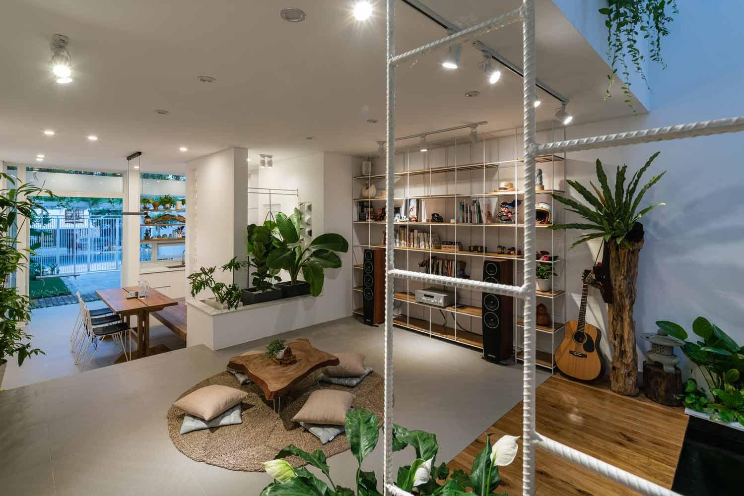Konsep interior open space yang terintergrasi nan sejuk, karya Q Concept // archdaily.com