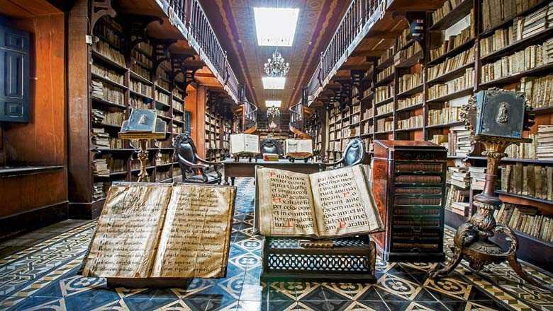 Perpustakaan megah di Peru, Monastery of San Francisco Library // travelweekly.com