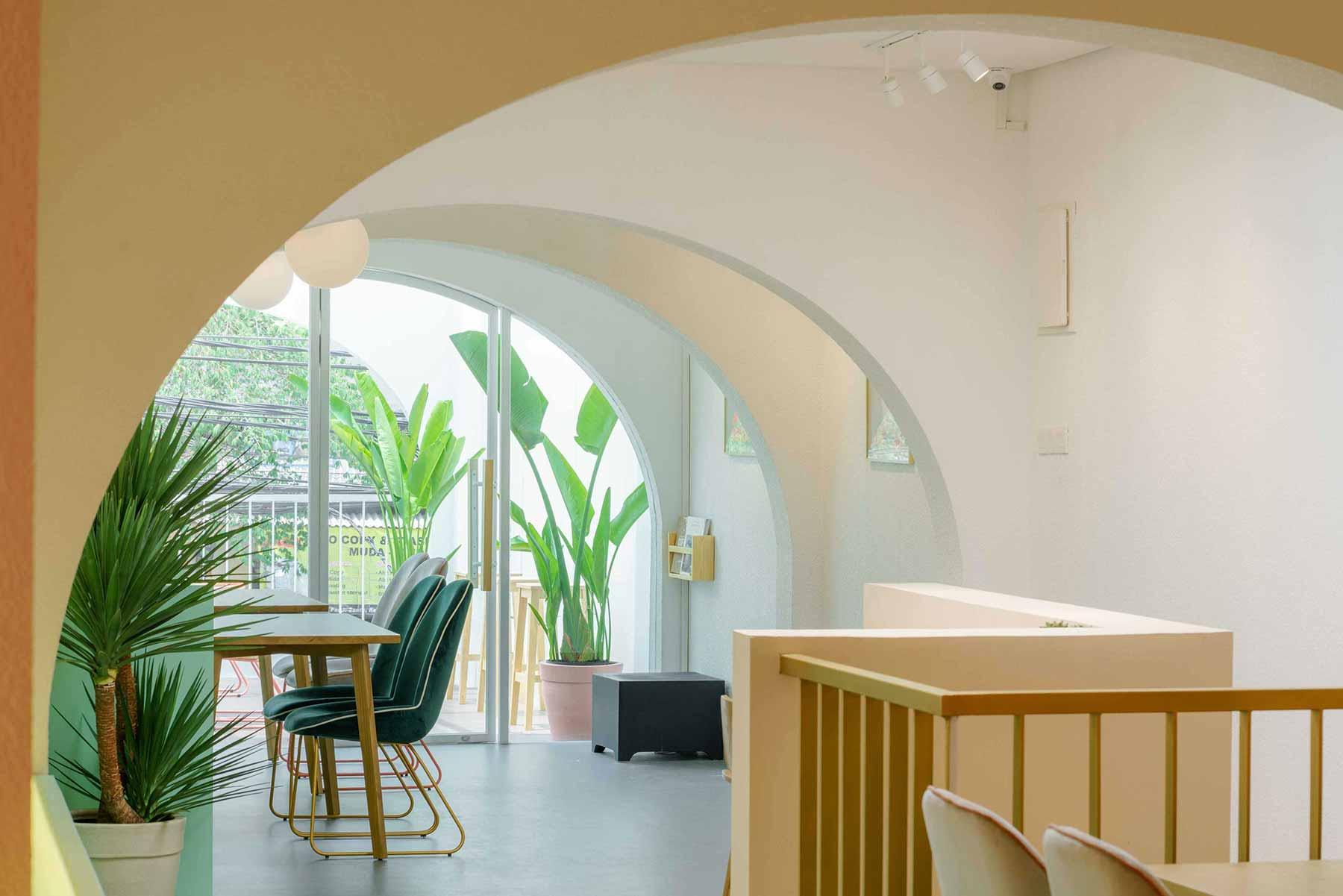 Desain interior coffee shop karya Interra //arsitag.com