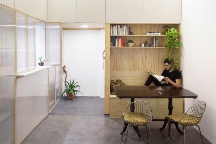 Kursi sekaligus rak penyimpanan karya IR arquitectura // architizer.com