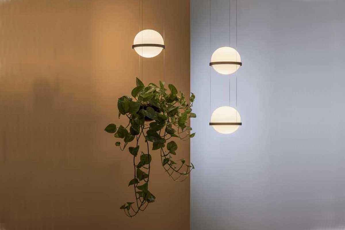 Desain tanaman gantung dengan lampu hias karya Vibia // archdaily.com