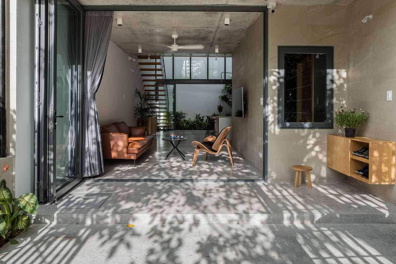 Desain Rumah Tropis Minimalis Tiga Lantai Super Keren Di Vietnam - ARSITAG