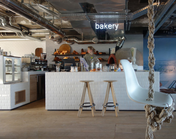 Sudut bakery di dalam hotel karya Werner Aisslinger // design-milk.com