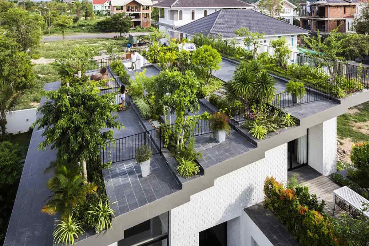 Atap hijau bertingkat karya Nghia Architects & Icada Asia // dezeen.com