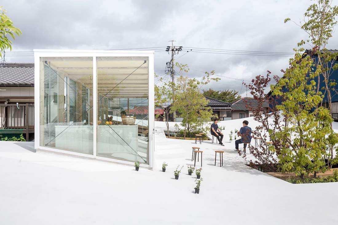 Rooftop yang menjadi public space yang memesona, Sanno's Office karya Studio Velocity, via design-milk.com
