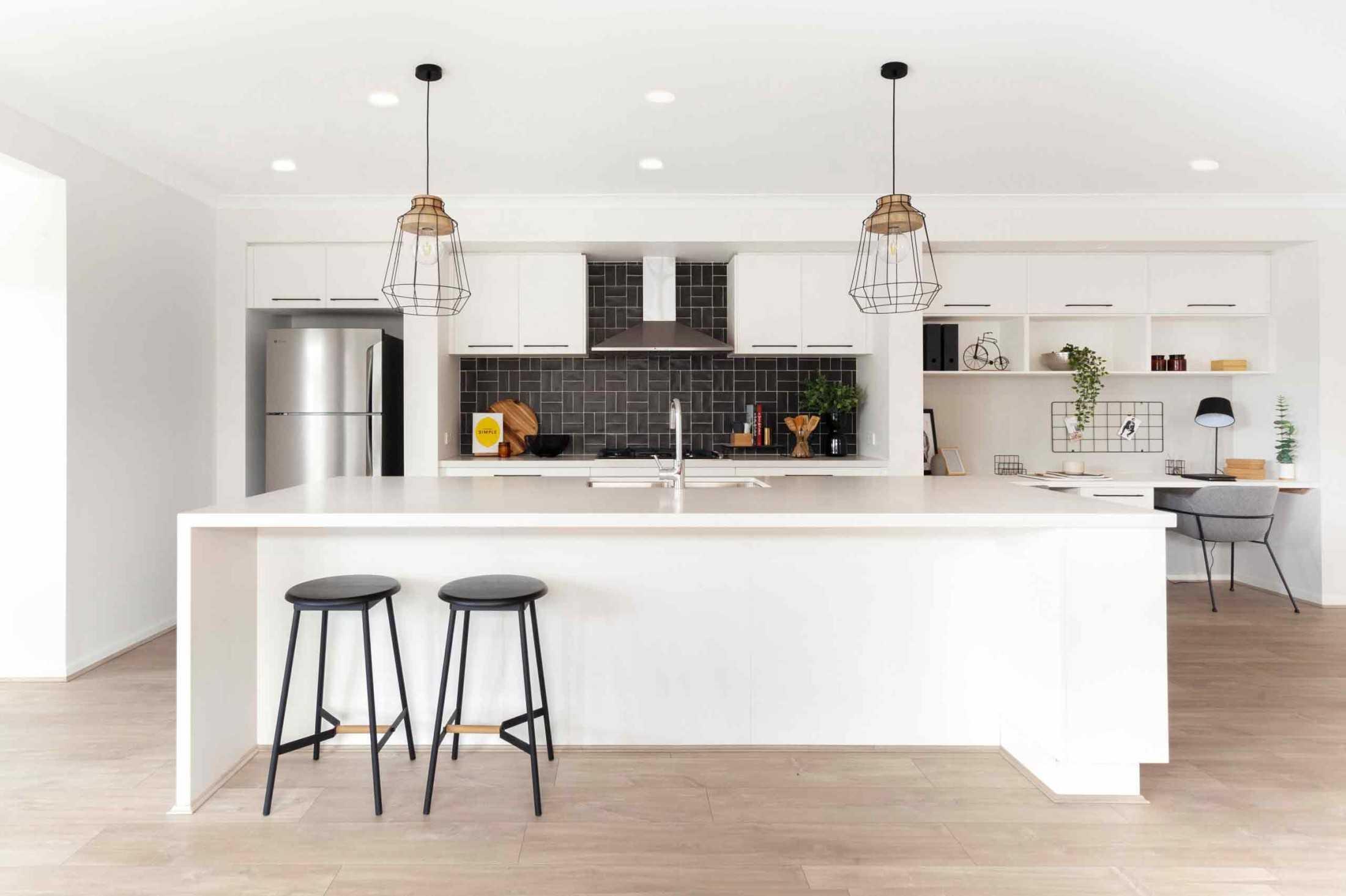 Desain Kitchen Office untuk Anda yang Bekerja dari Dapur Rumah | Foto artikel Arsitag