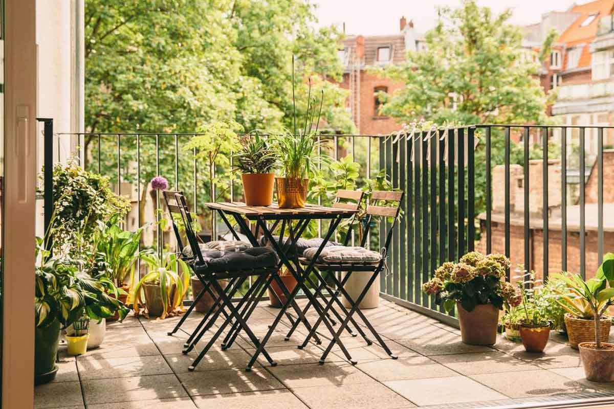 Tips Praktis untuk Membuat Taman Mungil Cantik di Balkon Rumah Anda | Foto artikel Arsitag