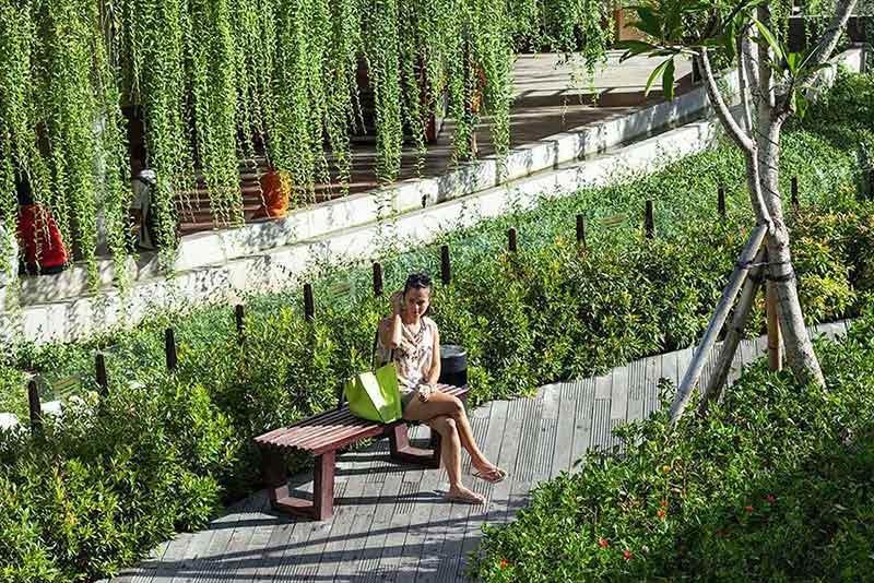 Desain taman publik karya Enviro Tec // arsitag.com