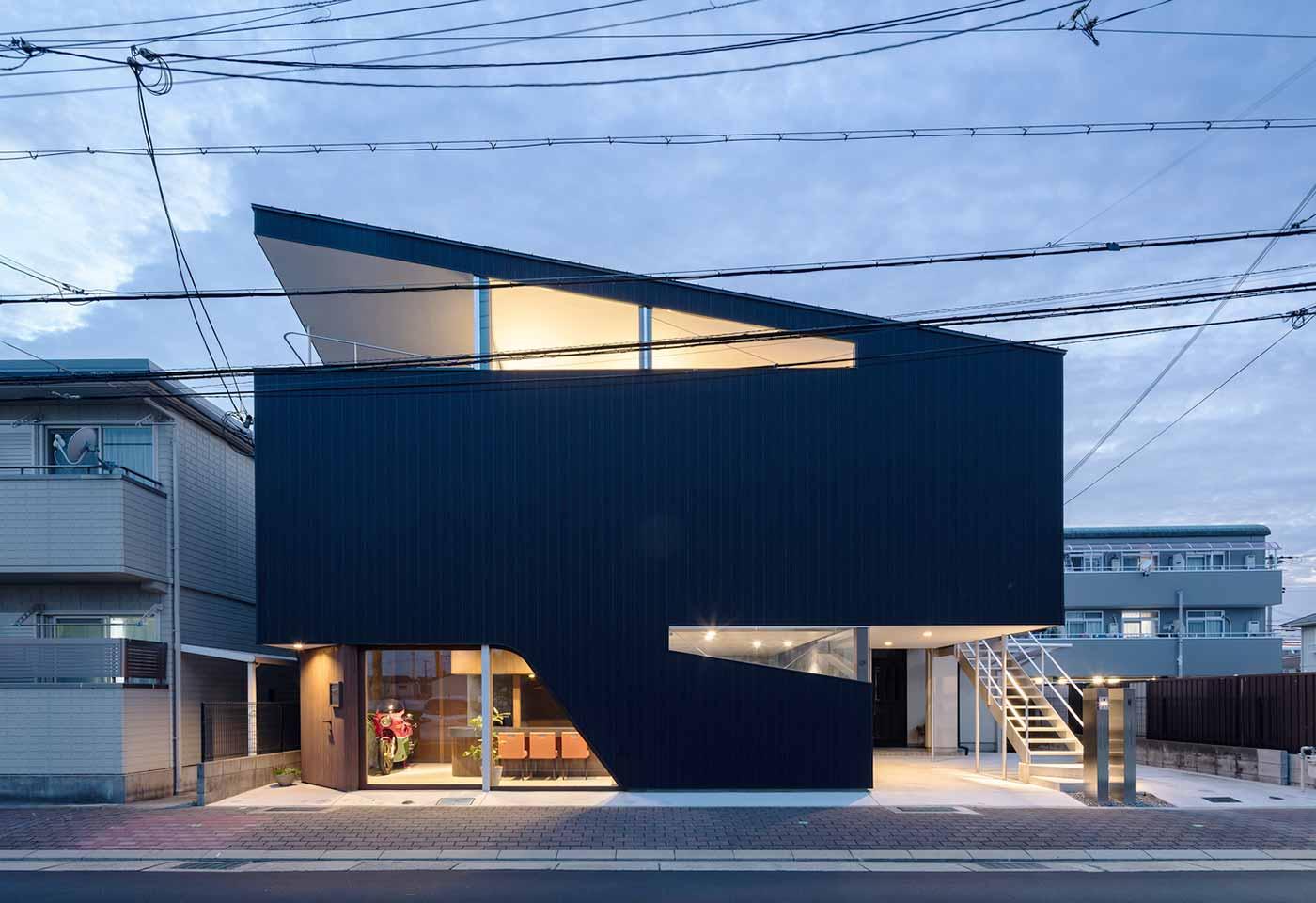 Desain Unik Arsitektur Rumah Kontemporer dengan Salon Mini | Foto artikel Arsitag