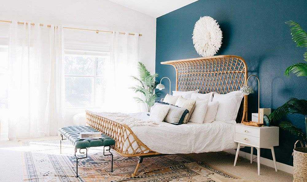 Desain boho dengan dua warna kontras // onekingslane.com