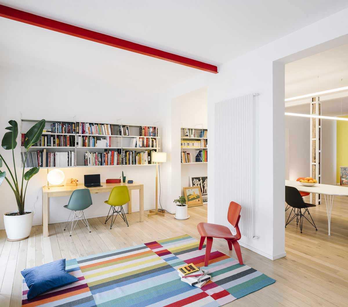 Kursi ruang kerja yang cantik dengan warna yang fun // home-designing.com