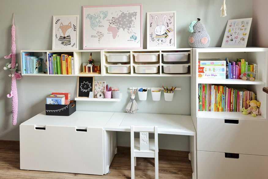 Meja all-in yang dibuat custom karya Joanna // greencanoe.pl