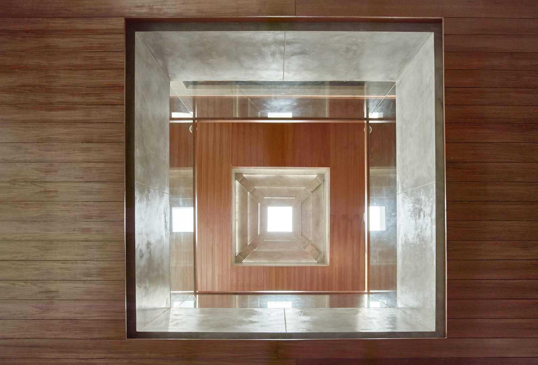 """Skylight """"bertingkat"""" karya RAW Architecture // Archdaily.com"""