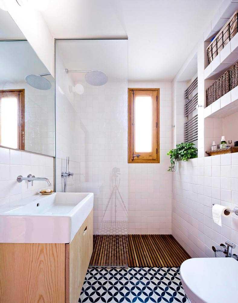 Desain kamar mandi apartemen karya Anna & Eugeni Bach via Archdaily.com