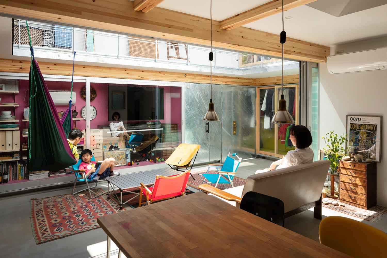 Desain sebagian rumah tanpa atap karya Yoshitaka Suzuki and Associates, via archdaily.com