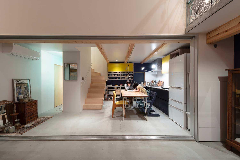 Desain ruang makan dan dapur karya Yoshitaka Suzuki and Associates, via archdaily.com