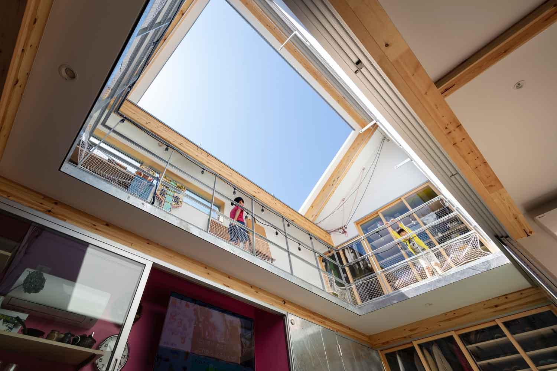 Desain rumah karya Yoshitaka Suzuki and Associates, via archdaily.com