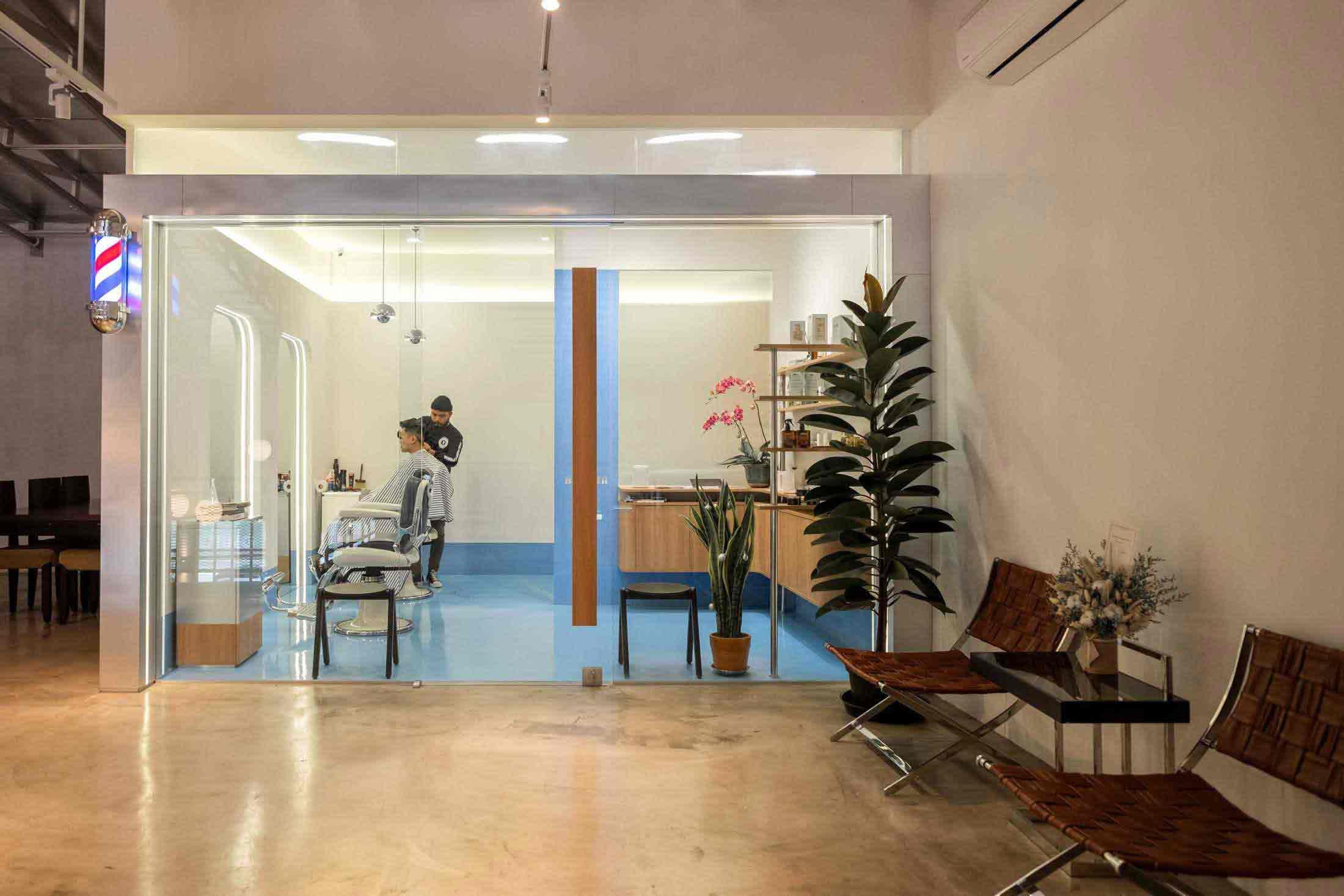 Desain Barbershop Minimalis Keren dengan Warna Biru Pastel dan Krem | Foto artikel Arsitag