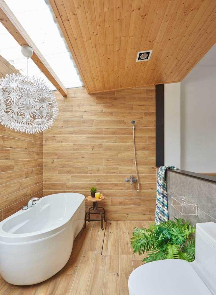 Kamar mandi dengan ornamen cantik multifungsi karya HAO Design, via archdaily.com