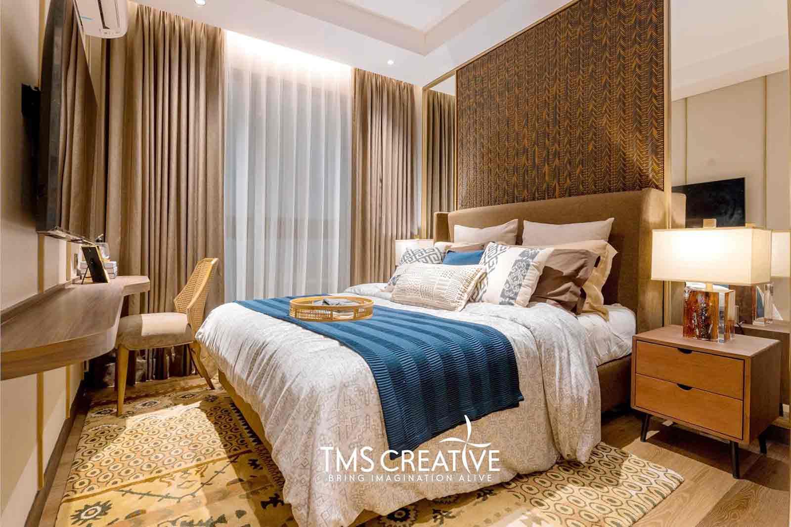 Warna cerah desain interior kamar tidur karya TMS Creative, via arsitag.com
