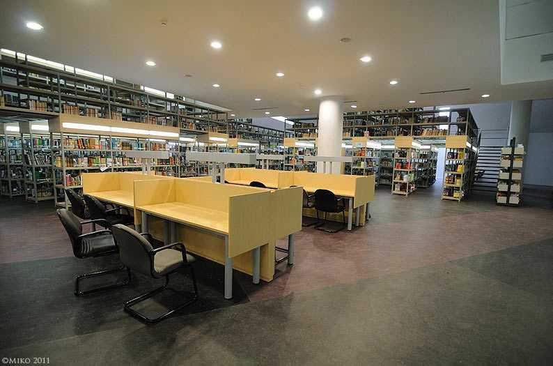 Interior Perpustakaan UI, karya DCM Indonesia, via anakUI.com