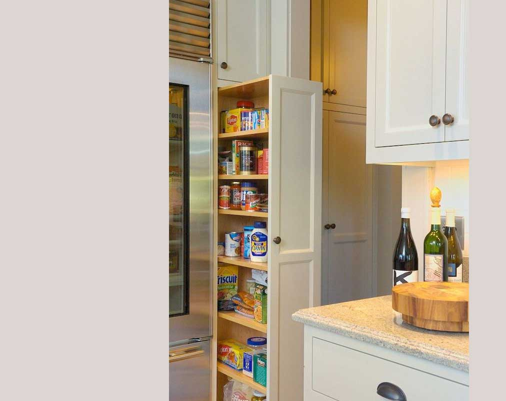 Desain pantry hemat ruang, via ellentuckinteriors.com