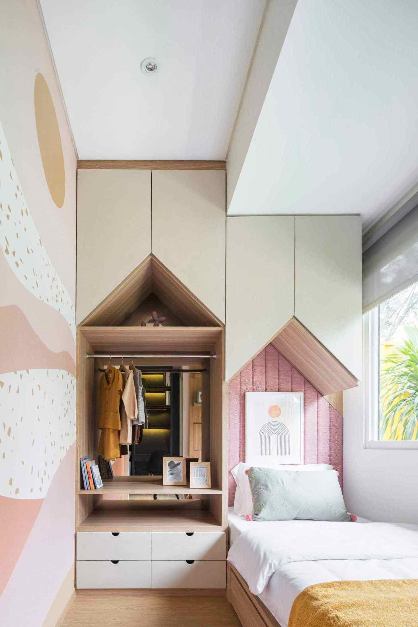 Kamar tidur anak bernuansa pink, karya Helloembryo, via Arsitag.com