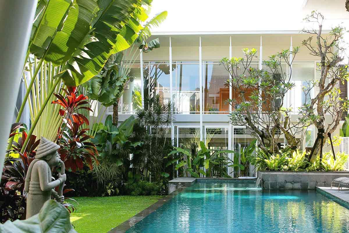 Desain Rumah Minimalis Modern dengan Taman Tropis yang Rimbun dan Cantik | Foto artikel Arsitag